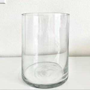 NWT gorgeous glass vase